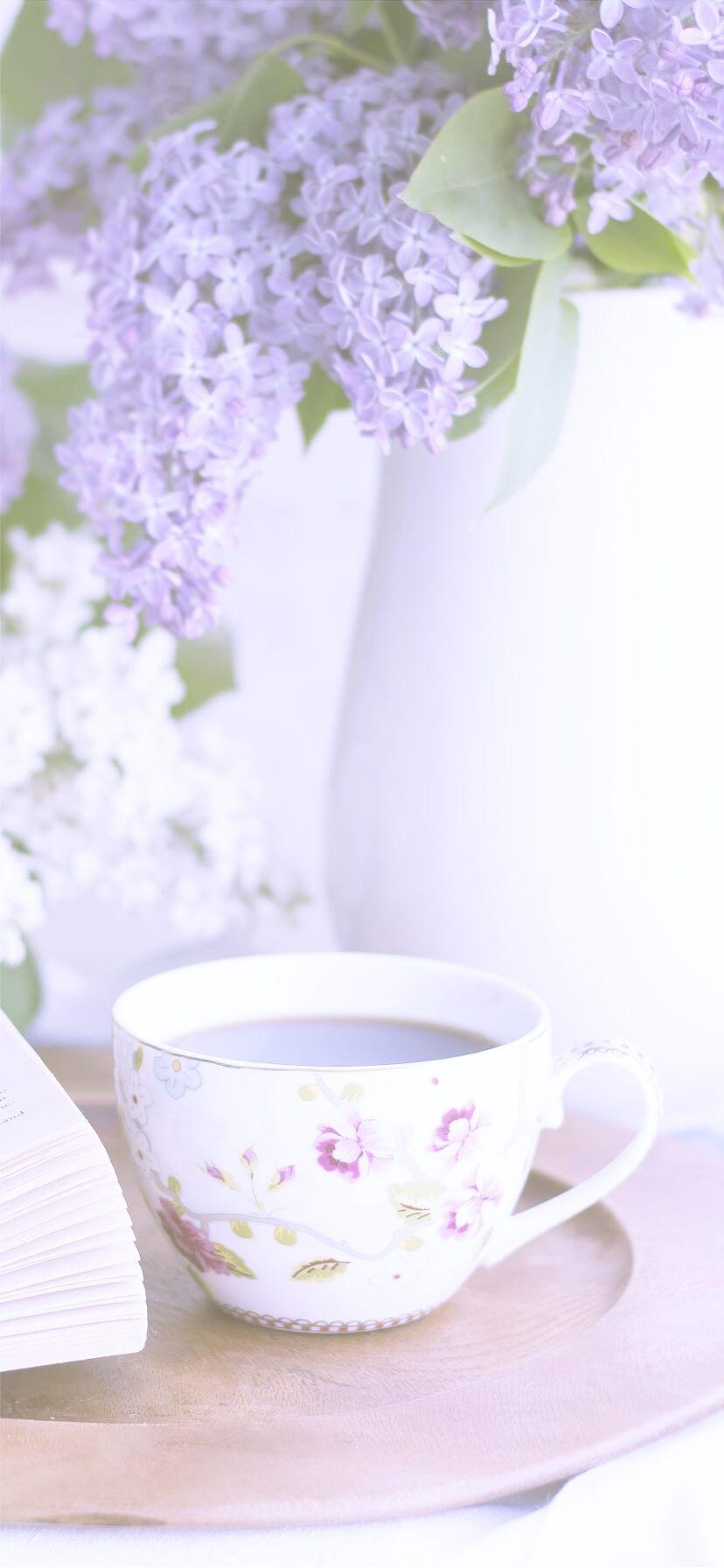 紫の花とコーヒー2