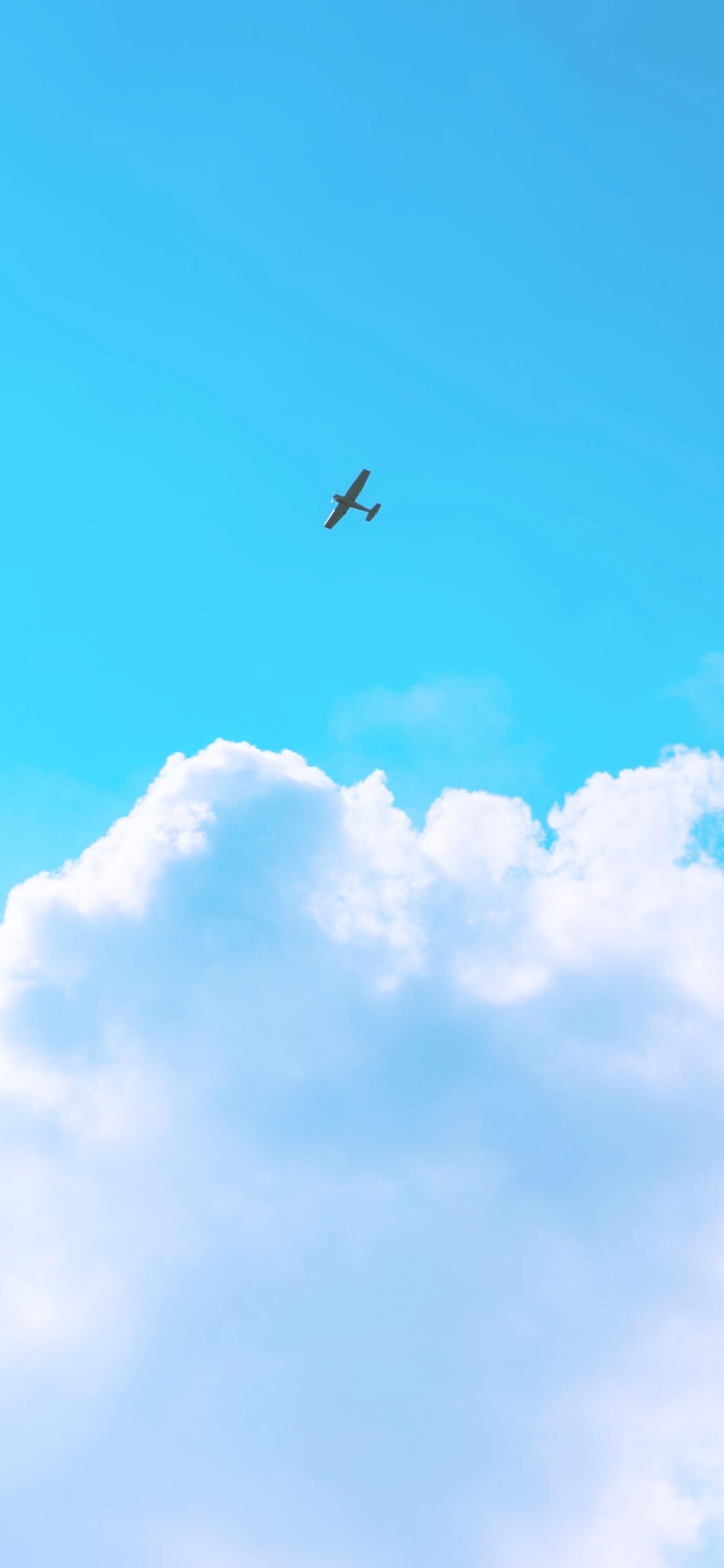 空を飛ぶ飛行機2
