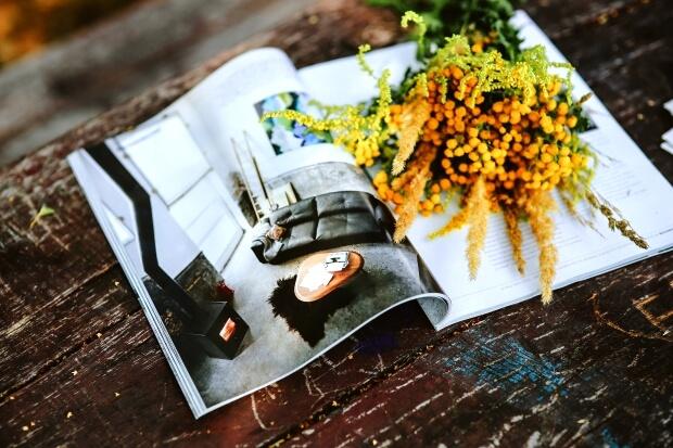 【高画質】iPhoneXrのシンプルな花の無料壁紙・待ち受け