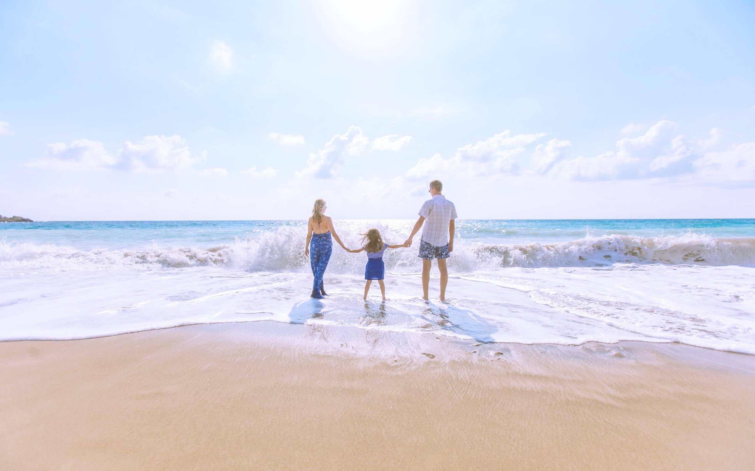 夏の海と家族