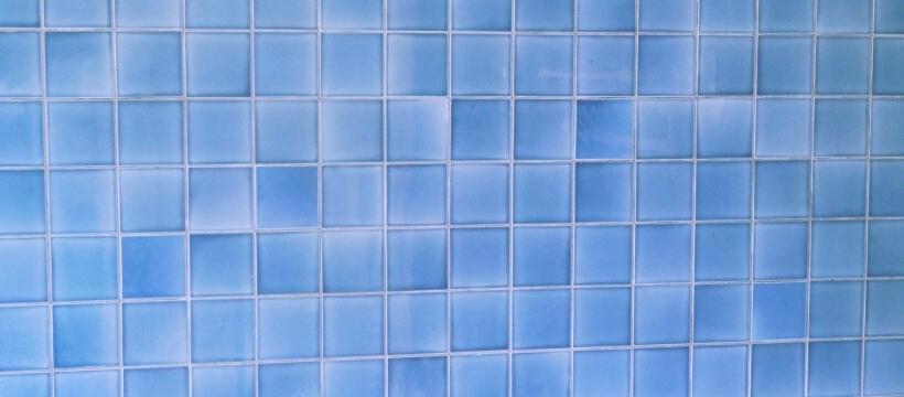 ブルーのタイル