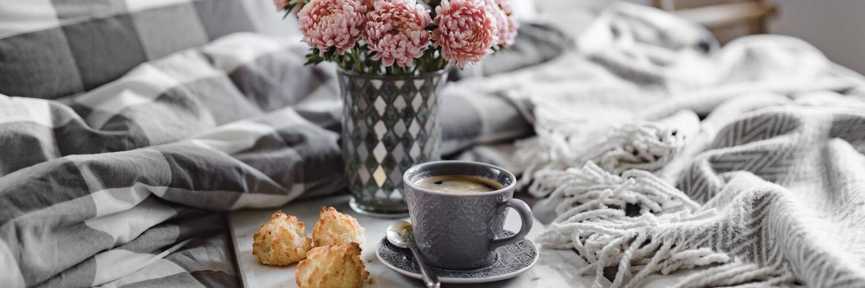 花とスィーツとコーヒー