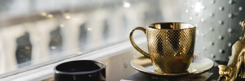 窓辺のコーヒー時間