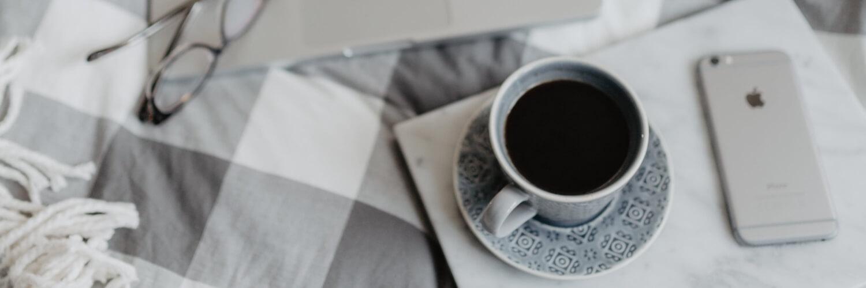 ベッドのコーヒータイム