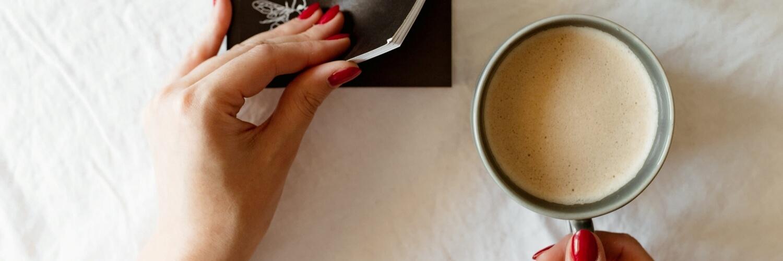リラックスするコーヒーの風景