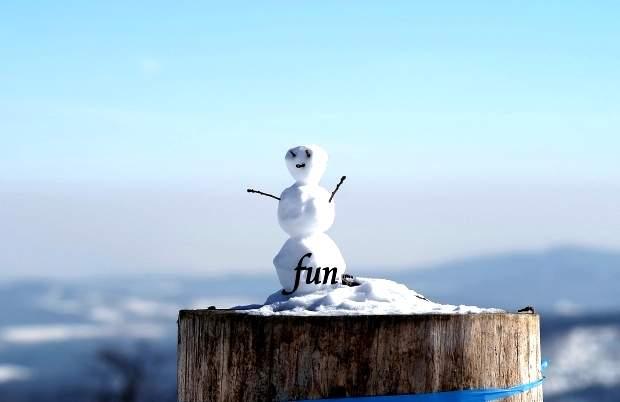 iPhone12Mini・13Miniロック画面等のシンプルな冬の無料壁紙・待受けを配信中