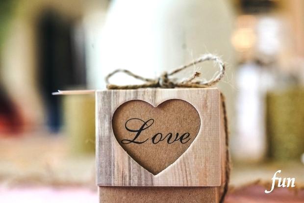 iPhone12Miniロック画面等のバレンタインやハートの無料壁紙・待受け