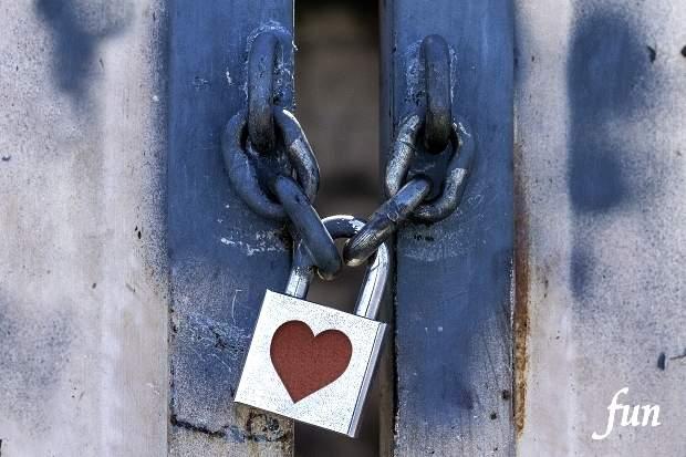 iPhoneロック画面等のハートやバレンタインの無料壁紙・待受け