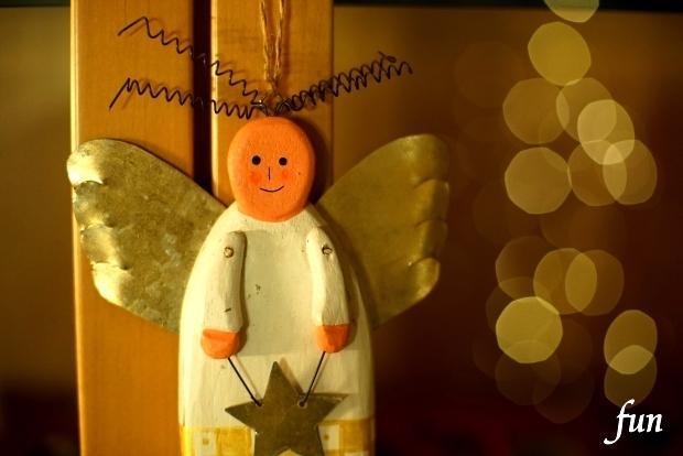iPhone12ProMax・13ProMaxロック画面等の天使の無料壁紙・待受けを配信中