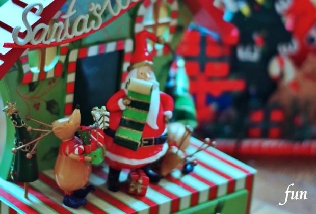 iPhone13・13Pro・iPhone12・12Proのクリスマスの壁紙が取り放題